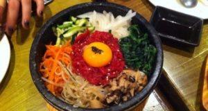10-Kuliner-Khas-Korea-Selatan-yang-Wajib-Dicoba-Bibimbap