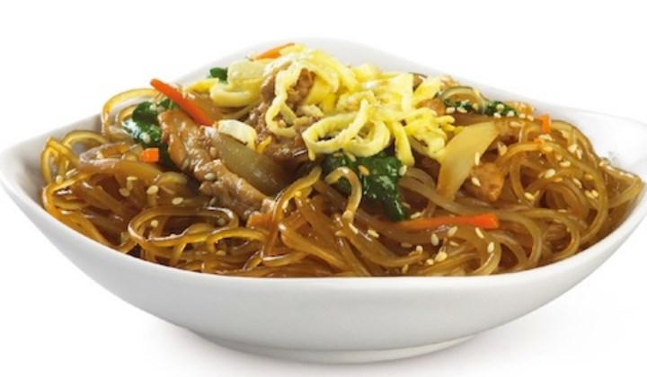 10-Kuliner-Khas-Korea-Selatan-yang-Wajib-Dicoba-Chapchae