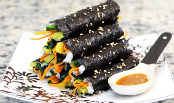 10-Kuliner-Khas-Korea-Selatan-yang-Wajib-Dicoba-Kimbap