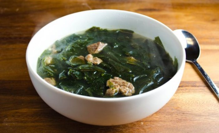 10-Kuliner-Khas-Korea-Selatan-yang-Wajib-Dicoba-Miyeok-Guk