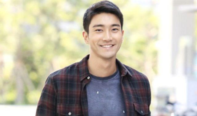 Gantengnya-Siwon-Super-Junior-Tampil-Pakai-Seragam-Wajib-Militer!