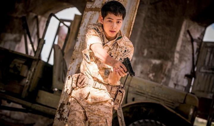 Pihak-Produksi-'Battleship-Island'-Rilis-Cuplikan-Adegan-Kecelakaan-Song-Joong-Ki