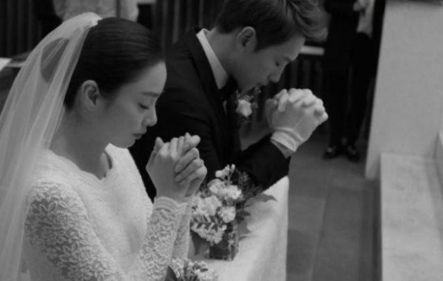 Selamat-Rain-dan-Kim-Tae-Hee-Resmi-Jadi-Suami-Istri.