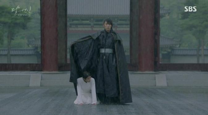 Sukses-Jadi-Pemeran-Utama-'Moon-Lovers-Scarlet-Heart-Ryeo'-Lee-Jun-Ki-dan-IU-Makin-Dekat.2