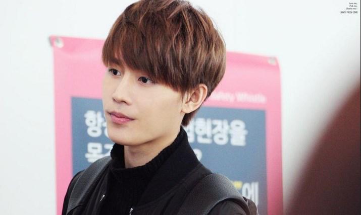 Jadi-Member-Tertua-Taeil-NCT-127-Dibilang-Mirip-Lee-Dong-Wook.