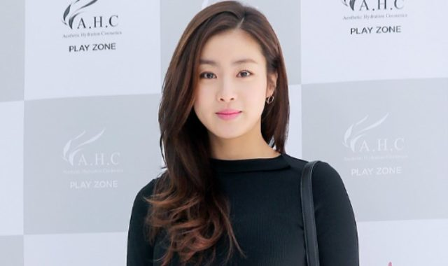Kang-Sora-Sempat-Tak-Percaya-Jadi-Pacar-Suho-EXO-di-MV-'Curtain'