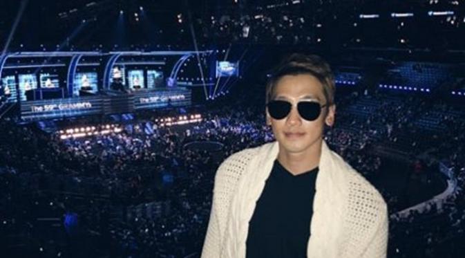 Pergi-Ke-Amerika-Ternyata-Rain-dan-Kim-Tae-Hee-Hadiri-'Grammy-Awards-2017' (2)