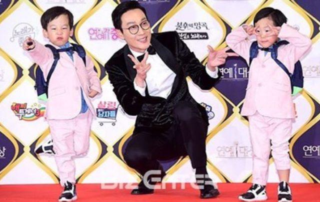 The-Return-of-Superman-Lee-Hwi-Jae-Kena-Sindrom-'Goblin'-Lihat-Lucunya-Ekspresi-Si-Kembar-Seo-Eon-dan-Seo-Jun