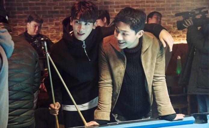 Bromance-Seru-Hyungsik-Ji-Soo-Di-Balik-Layar-'Strong-Woman-Do-Bong-Soon'