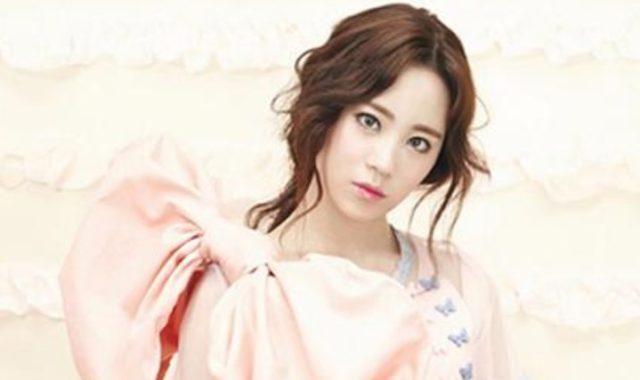Heo-Young-Ji-Mendadak-Jatuh-Cinta-Usai-Lee-Dong-Wook-Perankan-Malaikat-Maut-di-Drama-'Goblin'