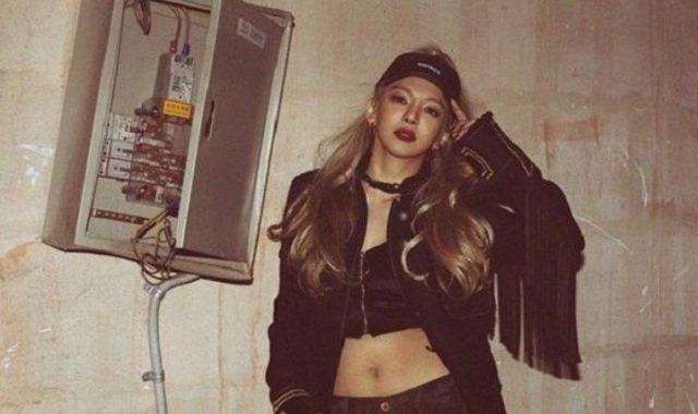 Hyoyeon-SNSD-Gunakan-Fashion-Nyentrik-Di-Acara-'Seoul-Fashion-Week'
