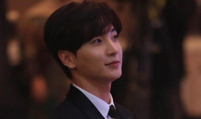 Serunya-Leeteuk-Super-Junior-Berbahasa-Indonesia-Ajak-Presiden-Jokowi-Nonton-Konser-Kpop