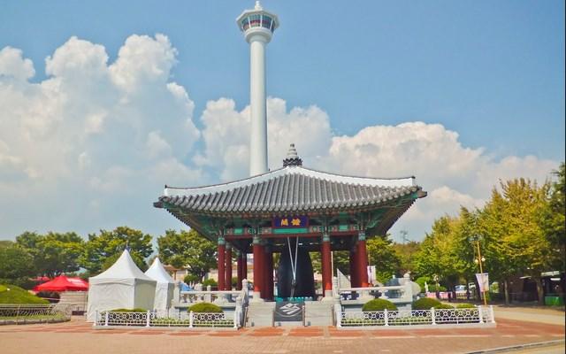 8-Destinasi-Wisata-Menarik-Kota-Busan-Busan-Tower