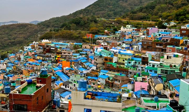 8-Destinasi-Wisata-Menarik-Kota-Busan-Gamcheon-Culture-Village