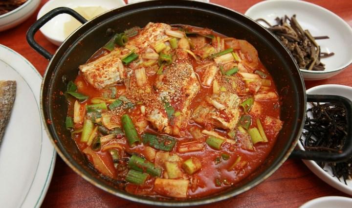 8-Wisata-Kuliner-Populer-di-Korea-di-Korea-Selatan-Galchi-Jorim
