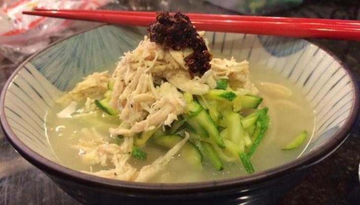 8-Wisata-Kuliner-Populer-di-Korea-di-Korea-Selatan-Kalguksu