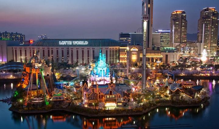 Daftar-Wisata-Menarik-Di-Kota Seoul-Lotte-World