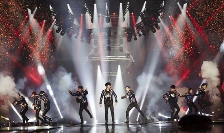 Gelar-Encore-EXO'rDIUM-Di-Jamsil-EXO-Kembali-Catat-Sejarah-Konser-Kpop