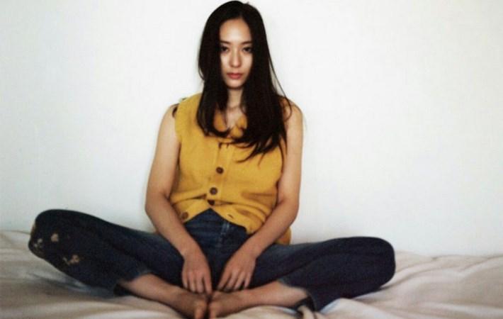 Sukses-Di-Dunia-Modelling,Serunya-Krystal-Jung-Jadi-yang-Pertama-Se-Asia-Untuk-Brand-Tod's.