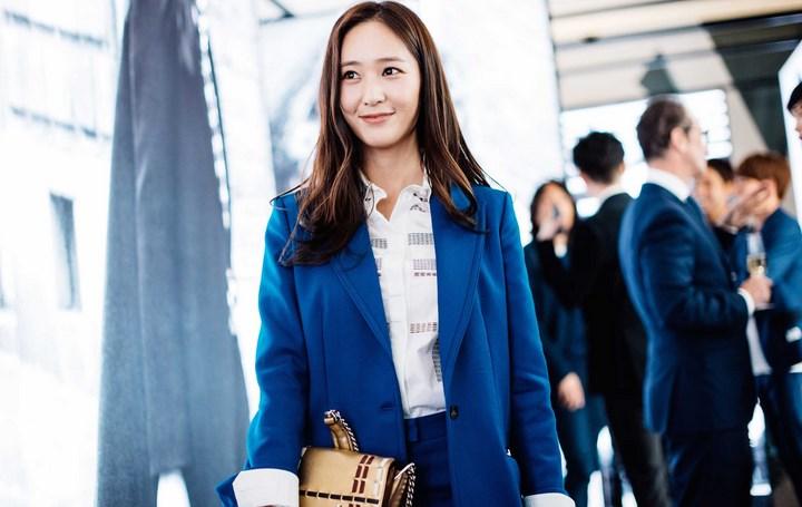 Sukses-Di-Dunia-Modelling,Serunya-Krystal-Jung-Jadi-yang-Pertama-Se-Asia-Untuk-Brand-Tod's