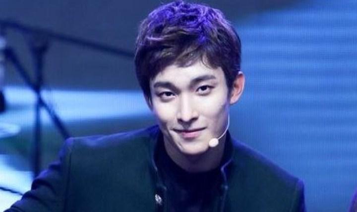 8-Idol-Pria-Ini-Punya-Senyuman-Terindah-Dokyeom-Seventeen