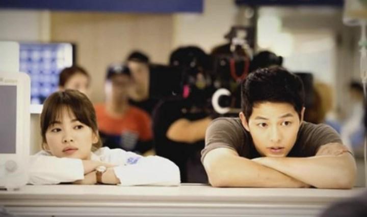 Beredar-Bukti-Kencan-Song-Joong-Ki-dan-Song-Hye-Kyo,-Blossom-Entertainment-Akhirnya-Berikan-Klarifikasi.
