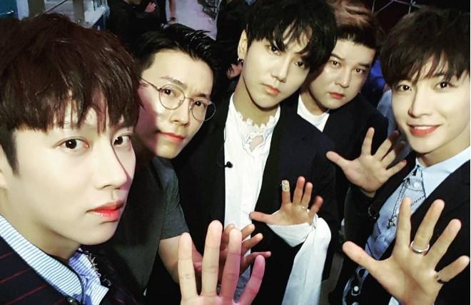'SMTOWN-LIVE-CONCERT-IN-SEOUL-2017'-Hanya-4-Member,-Super-Junior-Tetap-Antusias-Dengan-Lagu-'Sorry-Sorry'