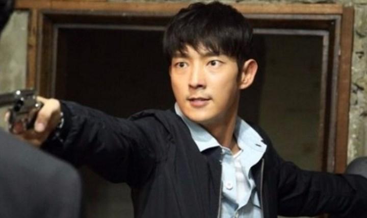 Demi-'Criminal-Minds',-Lee-Jun-Ki-Belajar-Bela-Diri-dan-Sulap