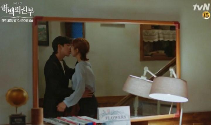 Putus-Dari-Lee-Sung-Kyung,-Adegan-Ciuman-Nam-Joo-Hyuk-Shin-Se-Kyung-'Bride-of-Water-God'-Banyak-Dukungan