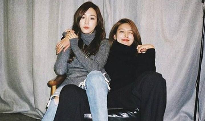 Tiffany-dan-Sooyoung-Resmi-Hapus-Embel-Embel-SNSD-Di-Akun-Instagram