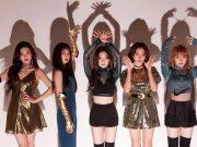 Terlihat-Tak-Nyaman-Dengan-Busana-Super-Pendek,-Fans-Minta-Stylish-Red-Velvet-Berbenah