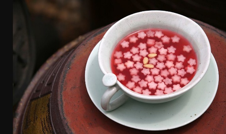 9 -Minuman-Populer-Korea-Selatan-Selain-Soju-Omija-Tea