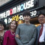 Cafe-Dan-Penginapan-'Mom-House'-Milik-Kyuhyun-Super-Junior-Selalu-Ramai-Dipadati-Fans.