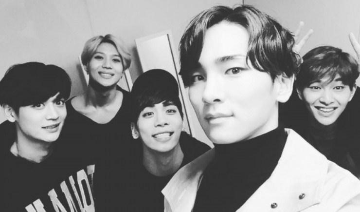 SHINee-Tetap-Lanjutkan-Konser-Di-Jepang-Usai-Kematian-Jonghyun.