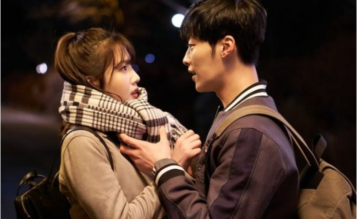 Romantis!-'Great-Seducer'-Rilis-Foto-Mesra-Joy-Red-Velvet-Dan-Woo-Do-Hwan