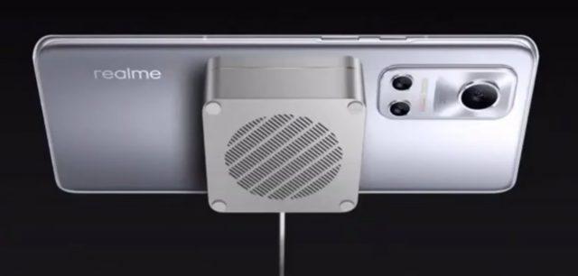 Handphone Realme luncurkan MagDart Charger dan ponsel Flash