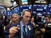 Volatilitas Tinggi Jelang Simposium Fed, Dow Futures Menguat